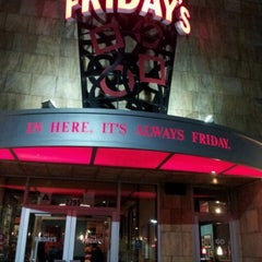 Photo taken at TGI Fridays by Cindy H. on 9/16/2012