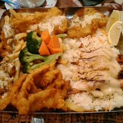 Photo taken at The Manhattan Fish Market by Mohd Ikmal Hakim on 7/12/2015