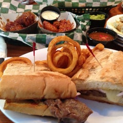 Photo taken at Beef O' Brady's by Brandi P. on 6/7/2013