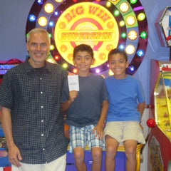 Photo taken at Chuck E. Cheese's by Eric T. on 7/8/2014
