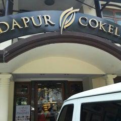 Photo taken at Dapur Cokelat by Harley B. on 5/24/2016