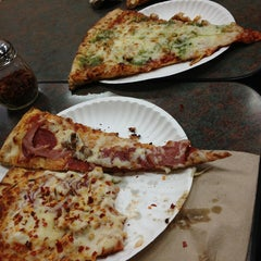Photo taken at Pizza Zone 'N' Grill by Chantal K. on 1/30/2013