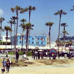 Photo taken at Venice Beach by Ilya W. on 5/25/2013