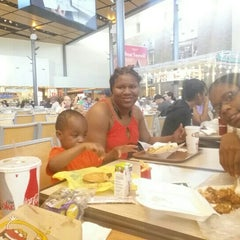 Photo taken at Christiana Mall Food Court by Donnell H. on 7/25/2015