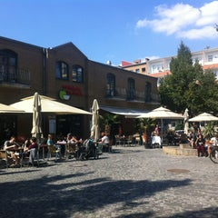 Photo taken at Marheineke Markthalle by André S. on 8/22/2013