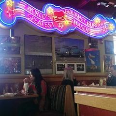 Photo taken at Red Robin Gourmet Burgers by HorsingaroundInLA on 12/5/2013