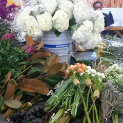 Photo taken at Berkeley Florist Supply by Brett V. on 11/10/2015