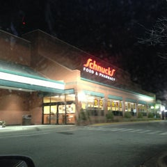 Photo taken at Schnucks by Shannon D. on 1/21/2013