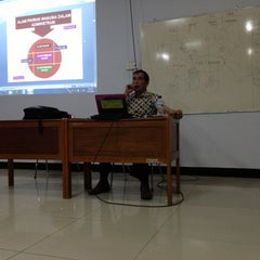 Photo taken at Sekolah Tinggi Ilmu Administrasi - Lembaga Administrasi Negara (STIA LAN) by J.J on 4/13/2013