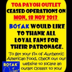 Photo taken at Botak Jones Toa Payoh by Alan T. on 11/27/2013