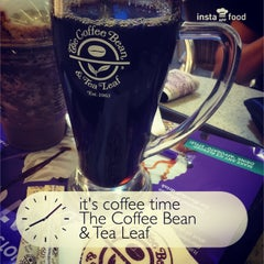 Photo taken at The Coffee Bean & Tea Leaf by Alan T. on 5/11/2015