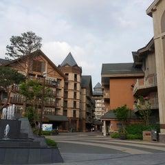 Photo taken at 알펜시아 리조트 스키장 / Alpensia Resort Ski Area by Kate J. on 6/14/2013