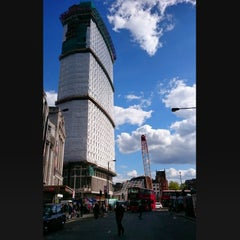 Photo taken at Centre Point by Mehmet B. on 4/29/2015