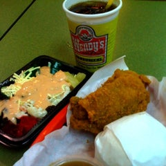 Photo taken at Wendy's by Dexter Francis D. on 12/29/2012