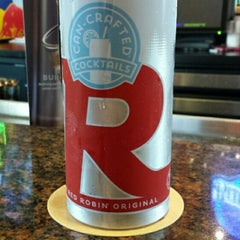 Photo taken at Red Robin Gourmet Burgers by elizabeth d. on 9/20/2014