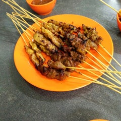 Photo taken at Satay Warisan by Ina S. on 6/15/2015