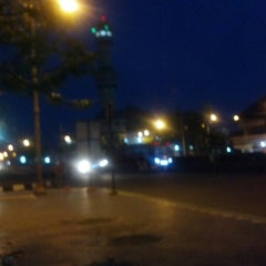 Photo taken at Alun Alun Kendal by Akhmad Yuni A. on 4/25/2014