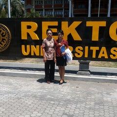 Photo taken at Rektorat Universitas Udayana by Anak Agung Ayu P. on 9/22/2014