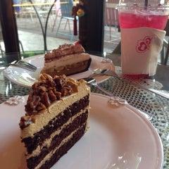 Photo taken at Sweet Cake by NooNan🎈😍 on 4/22/2015