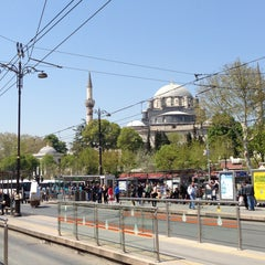 Photo taken at Beyazıt - Kapalıçarşı Tramvay Durağı by Nuran E. on 4/24/2013