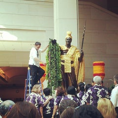 Photo taken at King Kamehameha Statue by Daphified on 6/9/2013