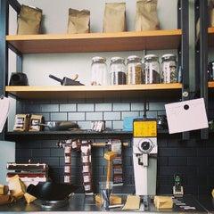 Photo taken at Big Shoulders Coffee by Eddie M. on 7/21/2013