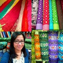 Photo taken at Toko Tekstil Kranggan (Jangkrik) by Idychan &. on 11/25/2015