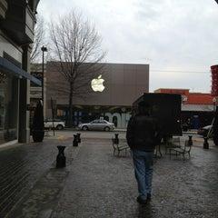 Photo taken at Apple Store, Bethesda Row by Karen F. on 2/5/2013