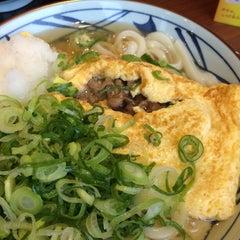 Photo taken at 丸亀製麺 熊本佐土原店 by ユンイ on 4/4/2015