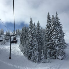 Photo taken at Wildwood Express - Chair 3 by Rob C. on 12/27/2014