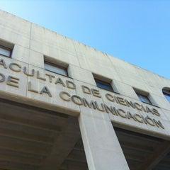 Photo taken at Facultad de Ciencias de la Comunicación by Galería C. on 9/17/2013