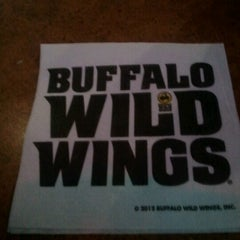 Photo taken at Buffalo Wild Wings by MzBLB👄 on 1/31/2013