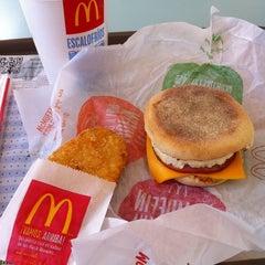 Photo taken at McDonald's by Roberto K. on 12/31/2012