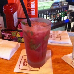 Photo taken at Applebee's by Shawna on 2/2/2013