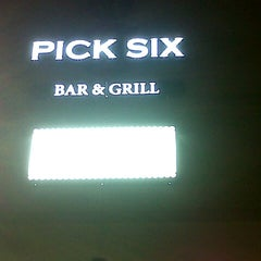 Photo taken at Pick 6 Bar & Grill by Cres M. on 11/2/2012