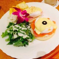 Photo taken at カフェ マウカメドウズ アトレ大井町店 by coconut on 12/6/2014