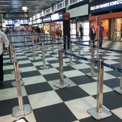 Foto tirada no(a) Check-in TAM por Osvaldo J. em 10/3/2012