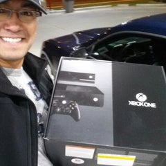 Photo taken at Best Buy by nico f. on 11/22/2013