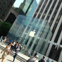 Photo taken at Apple Store, Fifth Avenue by Ελευθέριος Σ. on 6/17/2013
