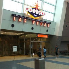 Photo taken at McCarran International Airport by Kyoko on 7/9/2013