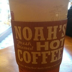 Photo taken at Noah's Bagels by Jose R. on 3/15/2013