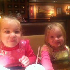 Photo taken at LongHorn Steakhouse by Stacey T. on 1/18/2014