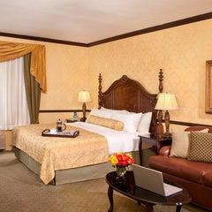 Photo taken at Ayres Inn Corona East by Ayres Hotels on 3/18/2014