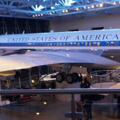 Photo taken at Ronald Reagan Presidential Library and Museum by Vivi D. on 12/17/2011