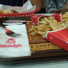 Photo taken at Wendy's by kervz M. on 8/2/2015