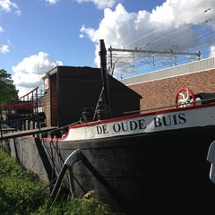 Photo taken at De Oude Buis (U.S. Histos) by Robbin S. on 5/23/2013