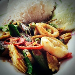 Photo taken at ร้านอาหารบังฝรั่ง (Bang Farang Restaurant) by SUPERGiRL2U2D on 3/27/2013