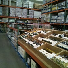 Photo taken at Costco by Héctor Q. on 9/21/2012