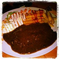 Photo taken at Old Village Restaurant @ Homestay by Bent C. on 9/19/2012