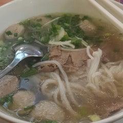Photo taken at Phở 24 @ Vincom Center B by Godwin S. on 11/29/2014